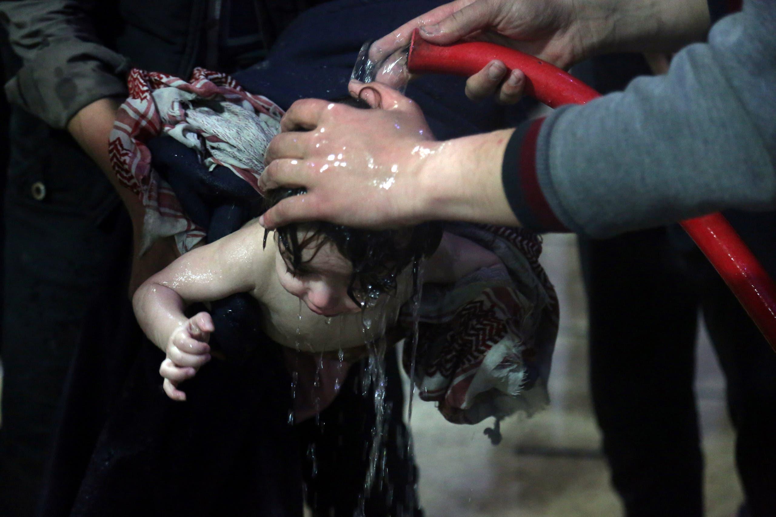 من هجوم على دوما بريف دمشق نفذه النظام بالسلاح الكيماوي