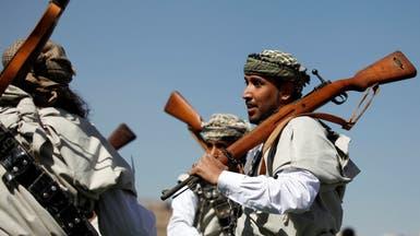 الحوثي يعتقل الرافضين للقتال.. ويسيّس خطب المساجد