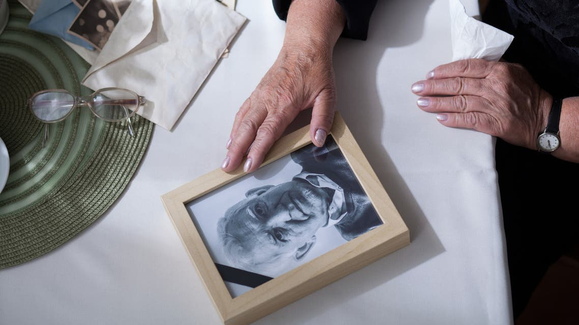 Picture of dead husband - Stock image