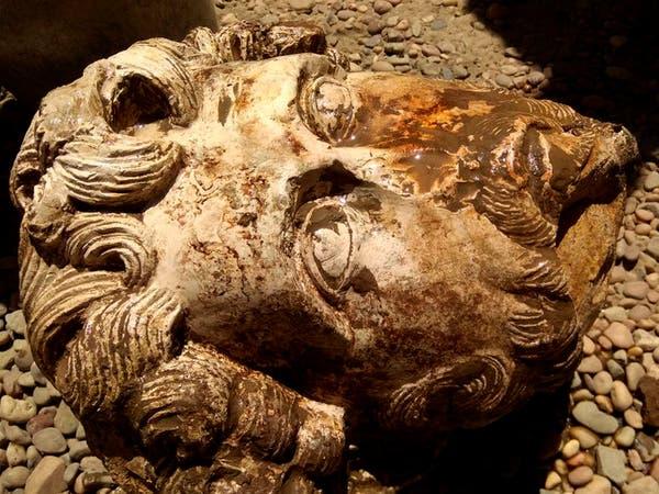 اكتشاف تمثال نصفي لإمبراطور روماني في مصر