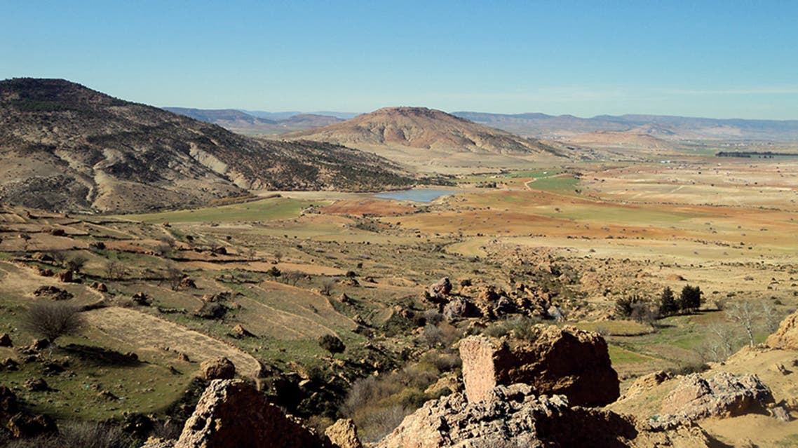 المنظر من الخلوة التي تطل على سهول وادي التّحت