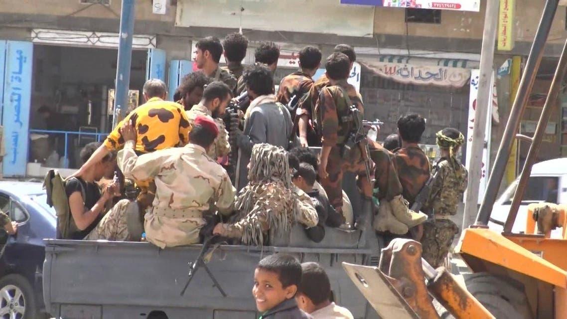 ميليشيات الحوثي تخطف الشباب بالقوة وتزج بهم في الجبهات