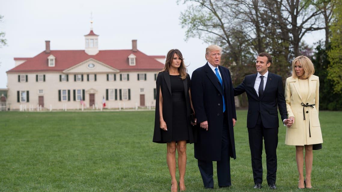 الرئيسان ترمب وماكرون وزوجتيهما وفي الخلفية ماونت فيرنون مقر إقامة جورج واشنطن
