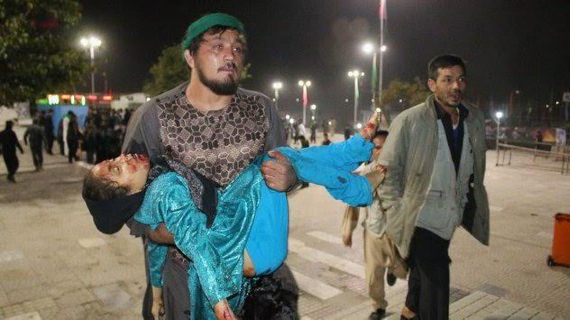 حسین الله داد کشتی گیر افغان که پس از هر حمله در کابل به حمل و نجات زخمیها کمک میکرد، خود در حمله اخیر کشته شد.