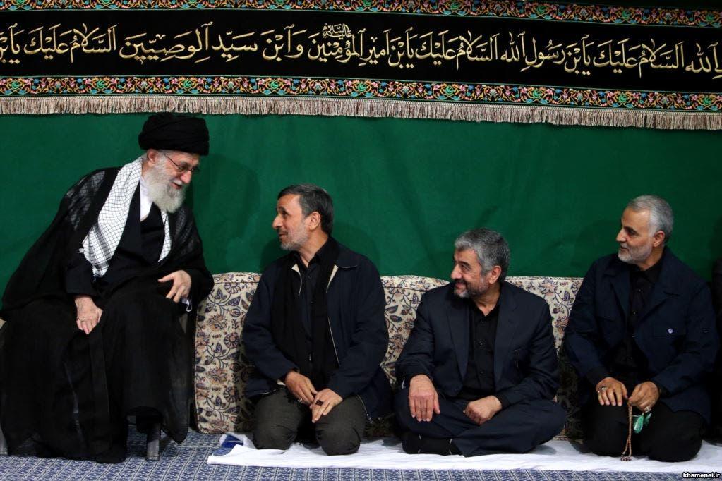 صورة تجمع المرشد وأحمدي نجاد وجعفري وسليماني