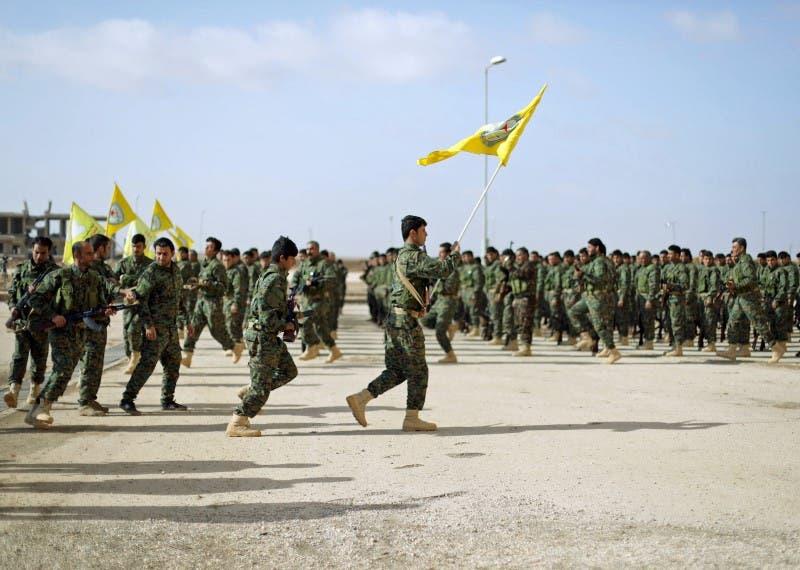 مقاتلون من قوات سوريا الديمقراطية في الحسكة بشمال شرق سوريا(أرشيفية)
