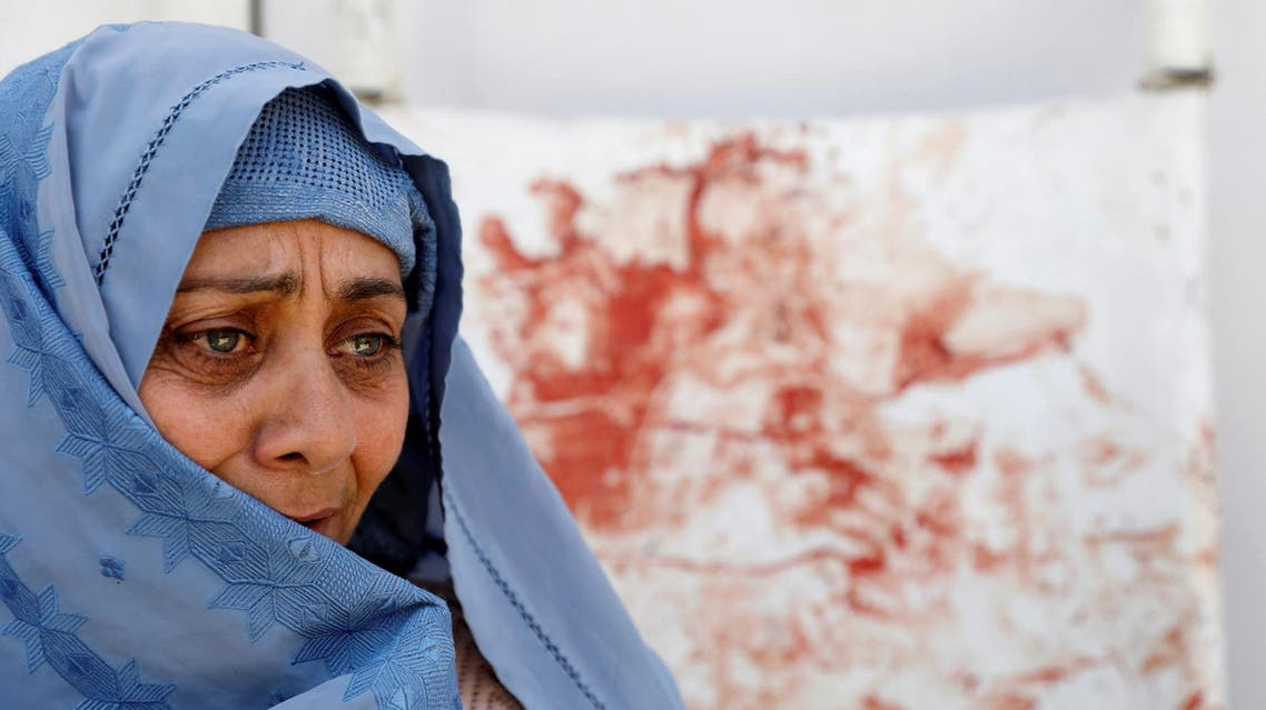 DATE IMPORTED: April 22, 2018 A woman mourns at a hospital after the suicide attack in Kabul, Afghanistan April 22, 2018. (Reuters)