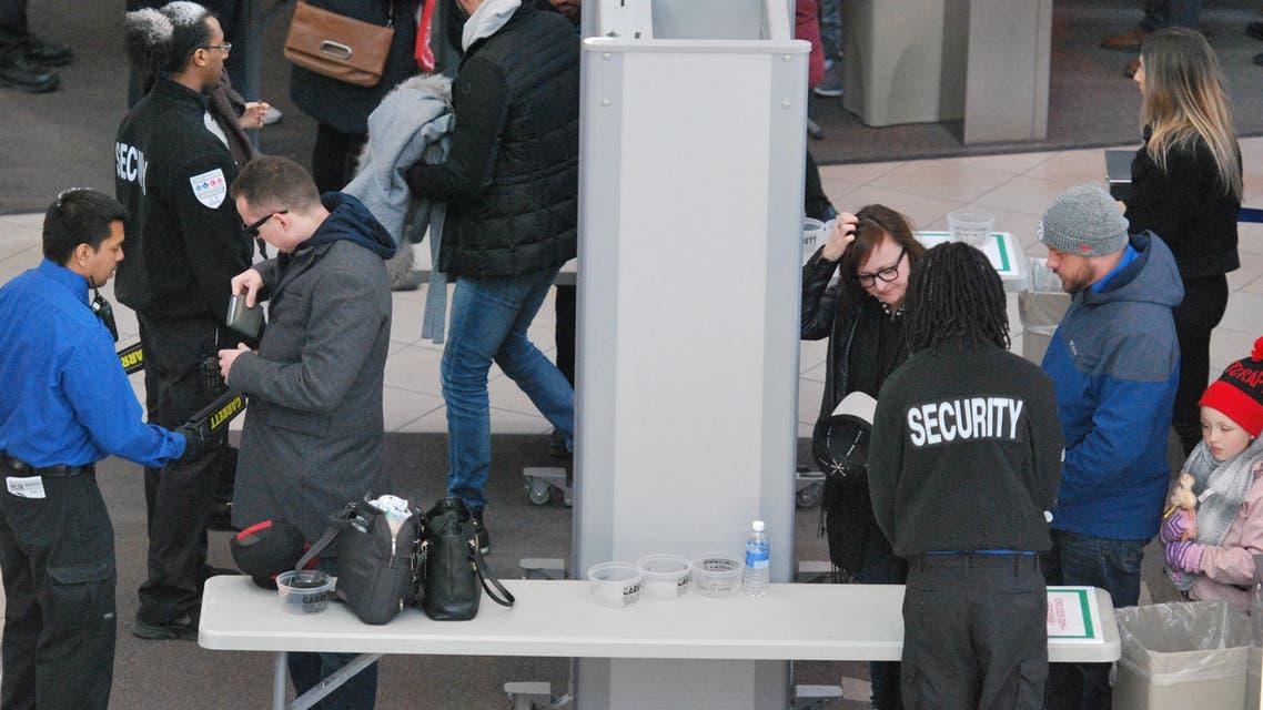 airport security (Shutterstock)