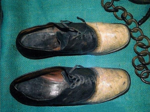 """نهاية صادمة لـ""""خارج عن القانون"""".. صنعوا حذاء من جلده"""