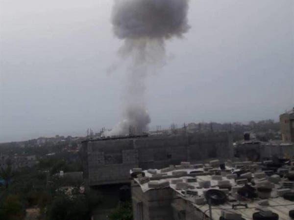 مقتل 5 فلسطينيين بانفجار وسط غزة.. وحماس تتهم إسرائيل