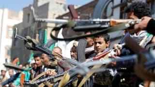 مقاتلون حوثيون في صنعاء