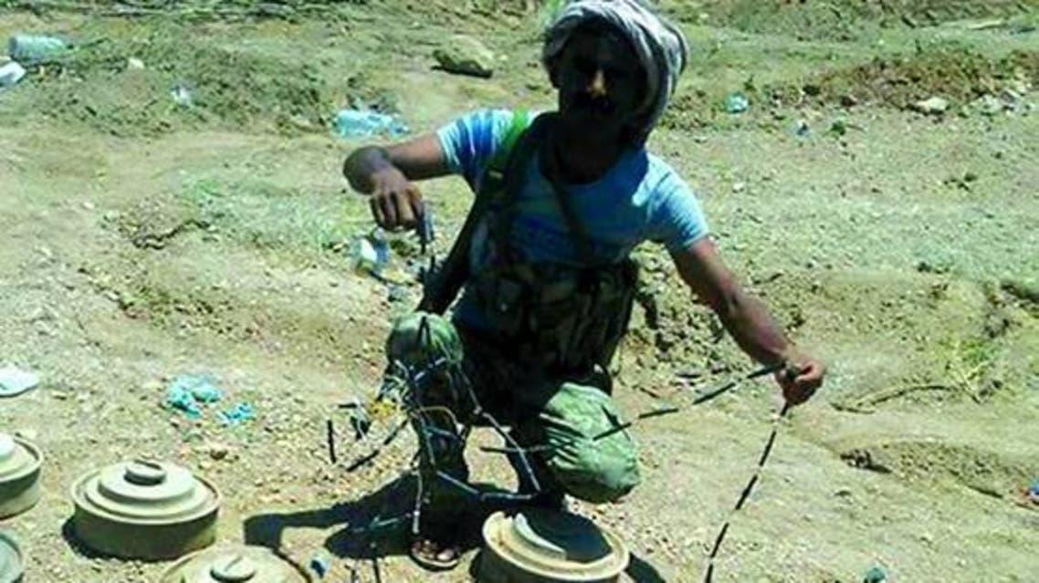 تفكيك الغام وعبوات ناسفة زرعتها الميليشيات الحوثية في الساحل الغربي