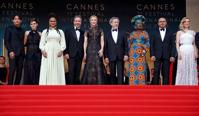 The jury of the 71th Cannes Film Festival, Chang Chen, Kristen Stewart, Ava DuVernay, Denis Villeneuve, Jury President Cate Blanchett, Robert Guediguian, Khadja Nin, Andrey Zvyagintsev and Lea Seydoux. (Cannes)