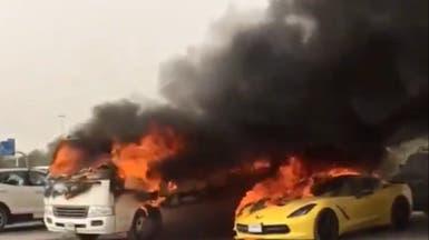 """شاهد.. احتراق 11 سيارة بمواقف """"مول"""" في دبي"""