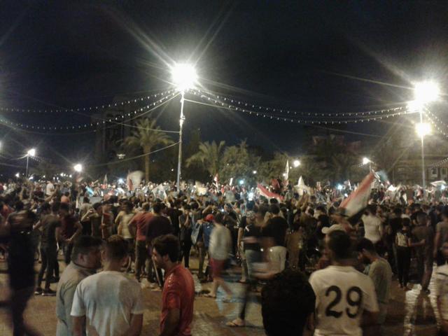 احتفالات لأنصار الصدر في ساحة التحرير
