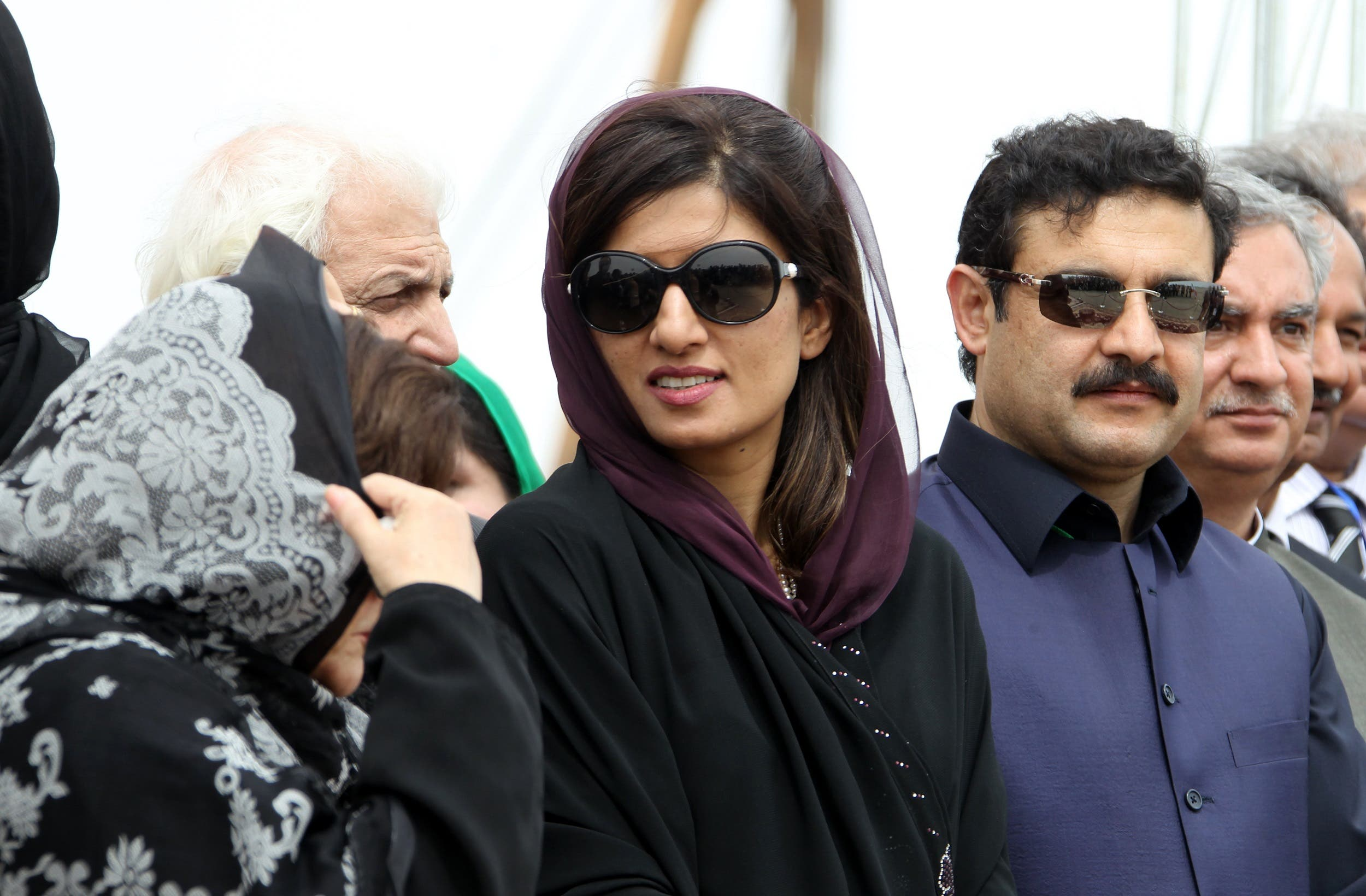 Pakistani Foreign Minister Hina Rabbani Khar (C) attends the inauguration ceremony of a gas pipeline linking Iran and Pakistan in the Iranian border city of Chabahar on March 11, 2013. (AFP)