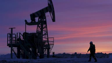 النفط يهبط بعد بيانات آسيوية ضعيفة وتنامي الإنتاج
