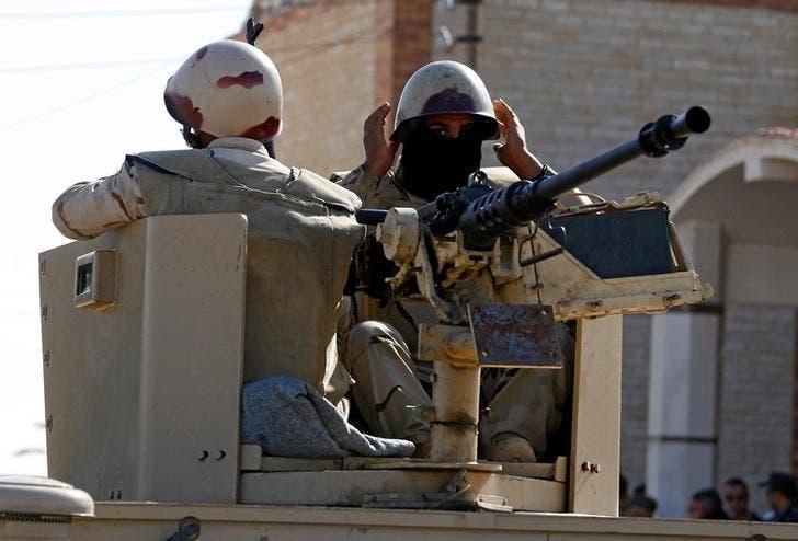 جنديان من الجيش المصري في شمال سيناء