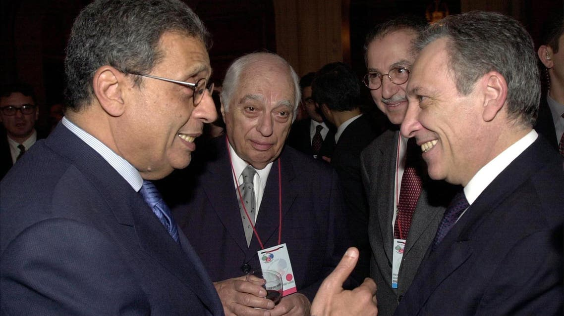 Bernard Lewis with former Secretary-General of Arab League Amr Moussa (L) and a Turkish official ®. (Reuters)