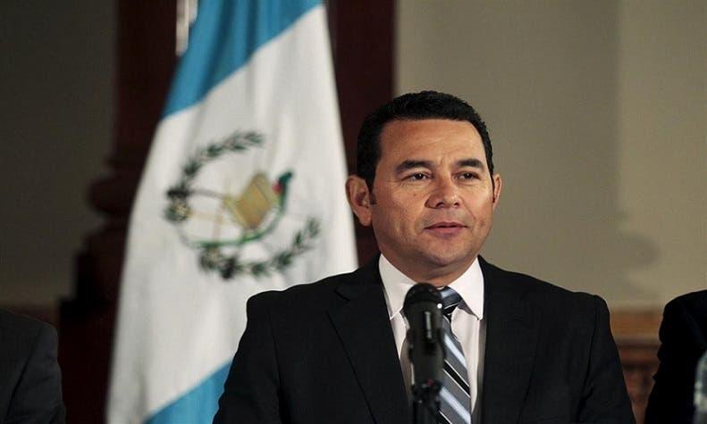 رئيس غواتيمالا، جيمي موراليس، ثاني ناقل للسفارات من تل أبيب إلى القدس المحتلة