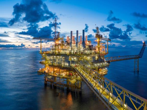 برنت يصعد 1% في ظل مخاوف بشأن صادرات النفط الفنزويلية