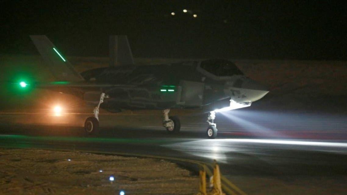 طائرة شبح f-35 في قاعدة جوية إسرائيلية