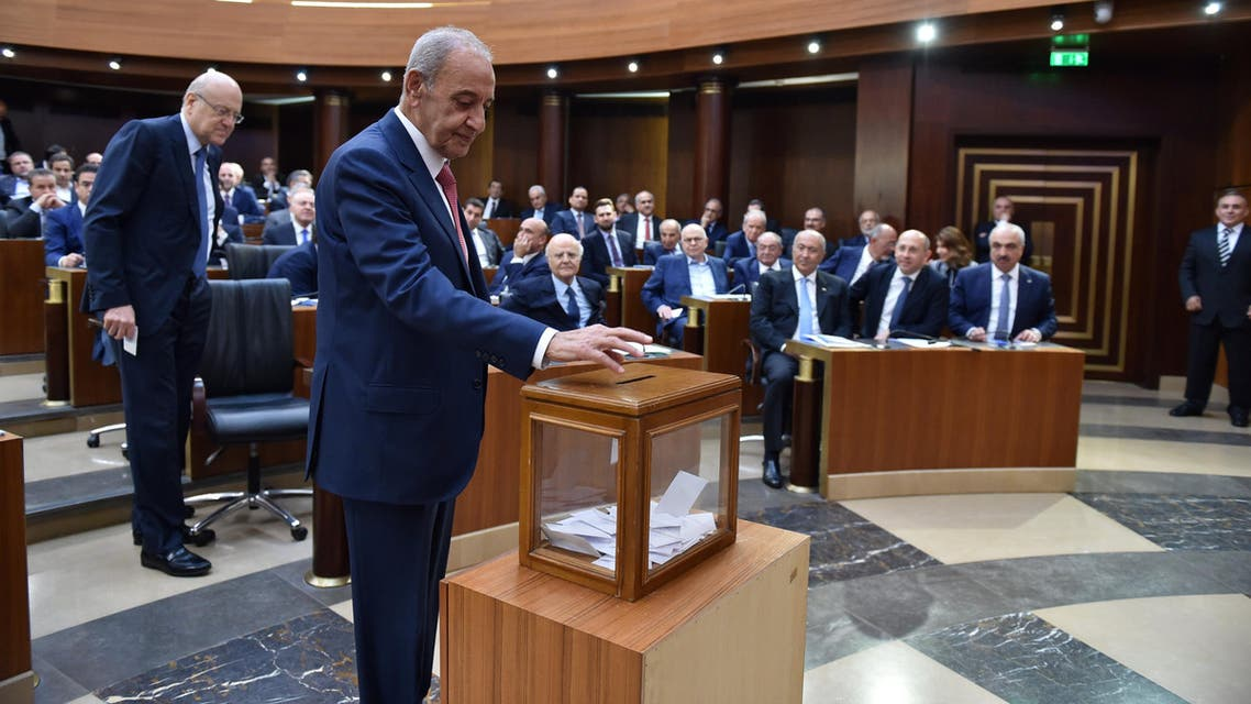 Nabih Berri casts his vote in Beirut on May 23, 2018. (Reuters)