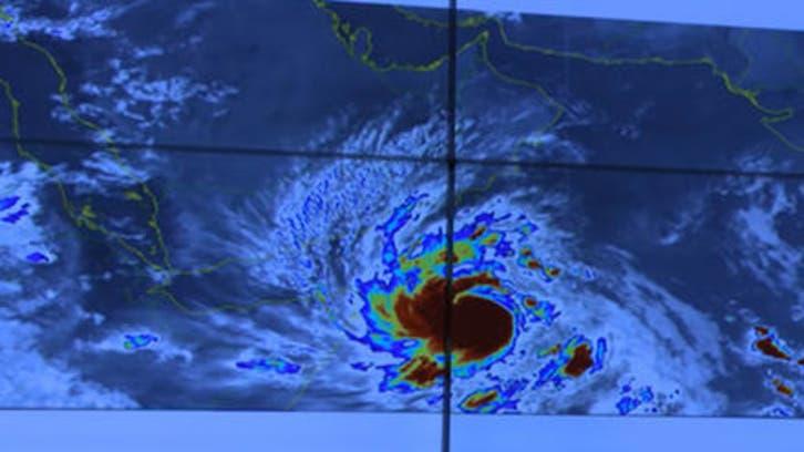 عُمان تطلق تحذير 2 بشأن إعصار مكونو.. وتدعو إلى الحذر