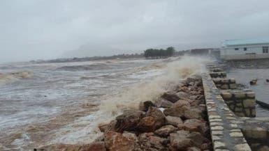 محافظ سقطرى: الإعصار خلف 17 مفقوداً وعزل مناطق
