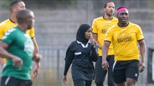 سرّ نجاح أول مسلمة تحكم مباريات كرة القدم في بريطانيا