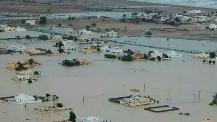 شاهد.. جزيرة سقطرى تحت رحمة إعصار عنيف