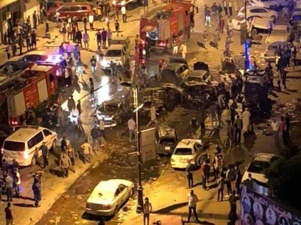 بالفيديو.. تفجير سيارة مفخخة بشارع مزدحم وسط بنغازي