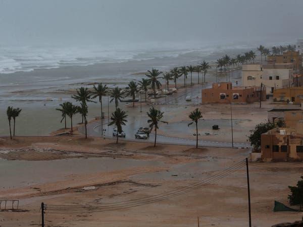"""تراجع """"مكونو"""" في عُمان.. مع بقاء الأمطار والتحذير"""