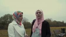 مصری فن کاراؤں پرحجاب کی وجہ سے آسٹریا میں حملہ