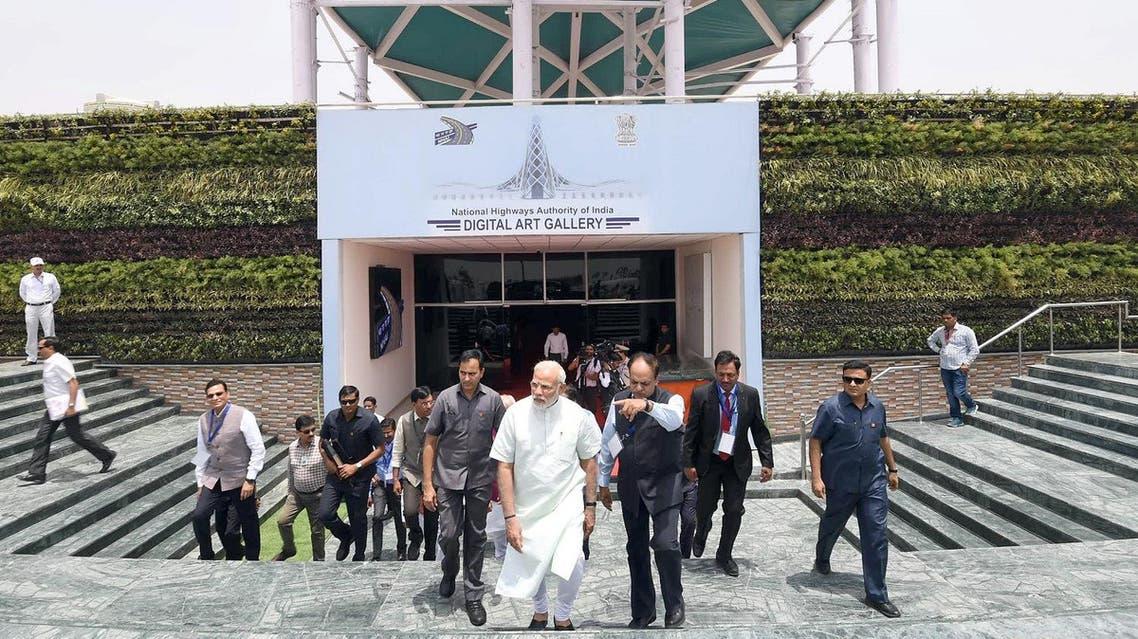 India's Prime Minister Narendra Modi visits the Digital Art Gallery before inaugurating the Delhi-Meerut Expressway in New Delhi, India, May 27, 2018. (Reuters)