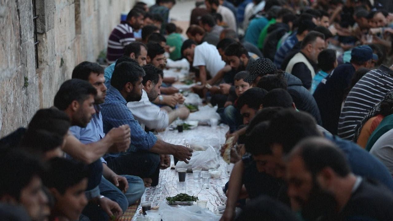 المهجرون إلى إدلب يعيشون أجواء رمضان بعيدا عن منازلهم