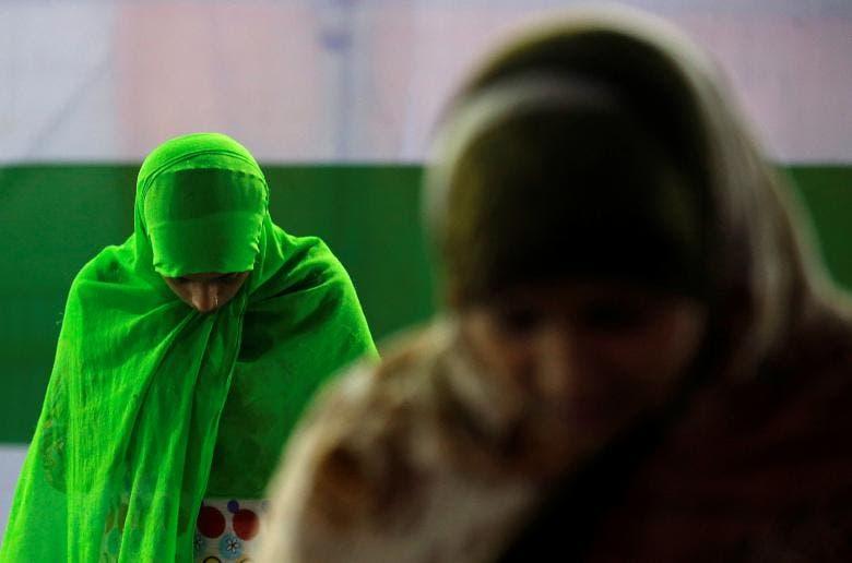 زنان مسلمان در نماز شبانه (تراویح) در شهر کلکته هند