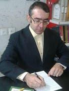 <p>استاد زبان دانشگاه آزاد واحد بجنورد است. او پس از رویدادهای سال 2009 دستگیر شد و دادگاه تجدیدنظر استان خراسان شمالی، حکم دادگاه بدوی برای او که از استادان سبز دانشگاه آزاد به شمار می&zwnj;رفت را از سه سال حبس تعزیری به یک سال تقلیل داد.</p>