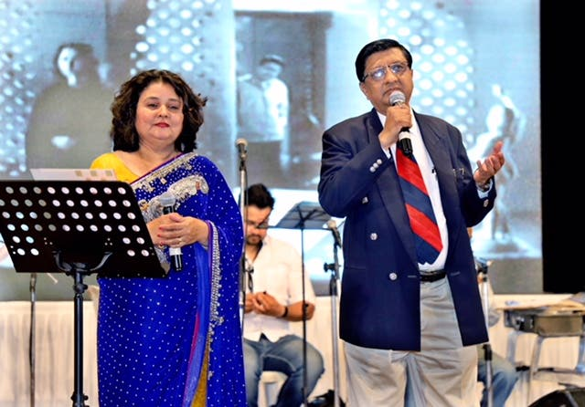 Neurologist Dr Sudhir Shah (right) organized a unique musical evening to raise funds for security forces. (Supplied)