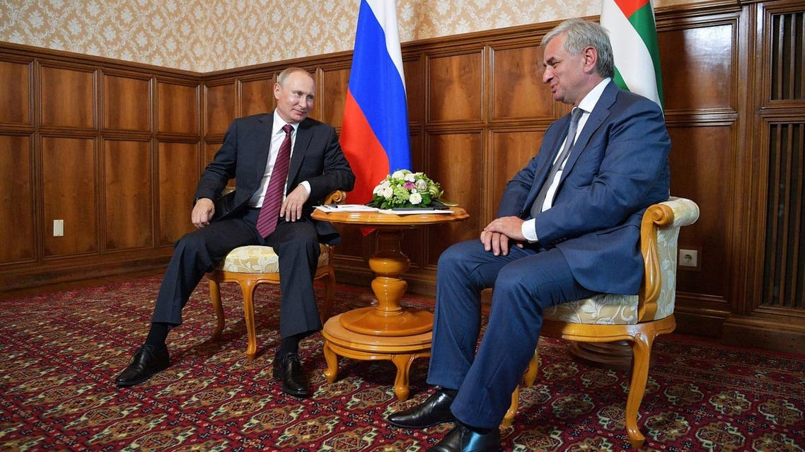 Russian President Vladimir Putin (L) meets with Raul Khadzhimba, the leader of Georgia's breakaway region of Abkhazia, in Pitsunda, Georgia, on August 8, 2017.  (AFP)