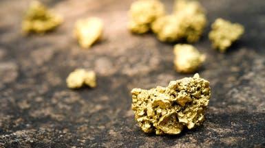 الذهب يصعد مع انخفاض الدولار وعودة التوترات التجارية
