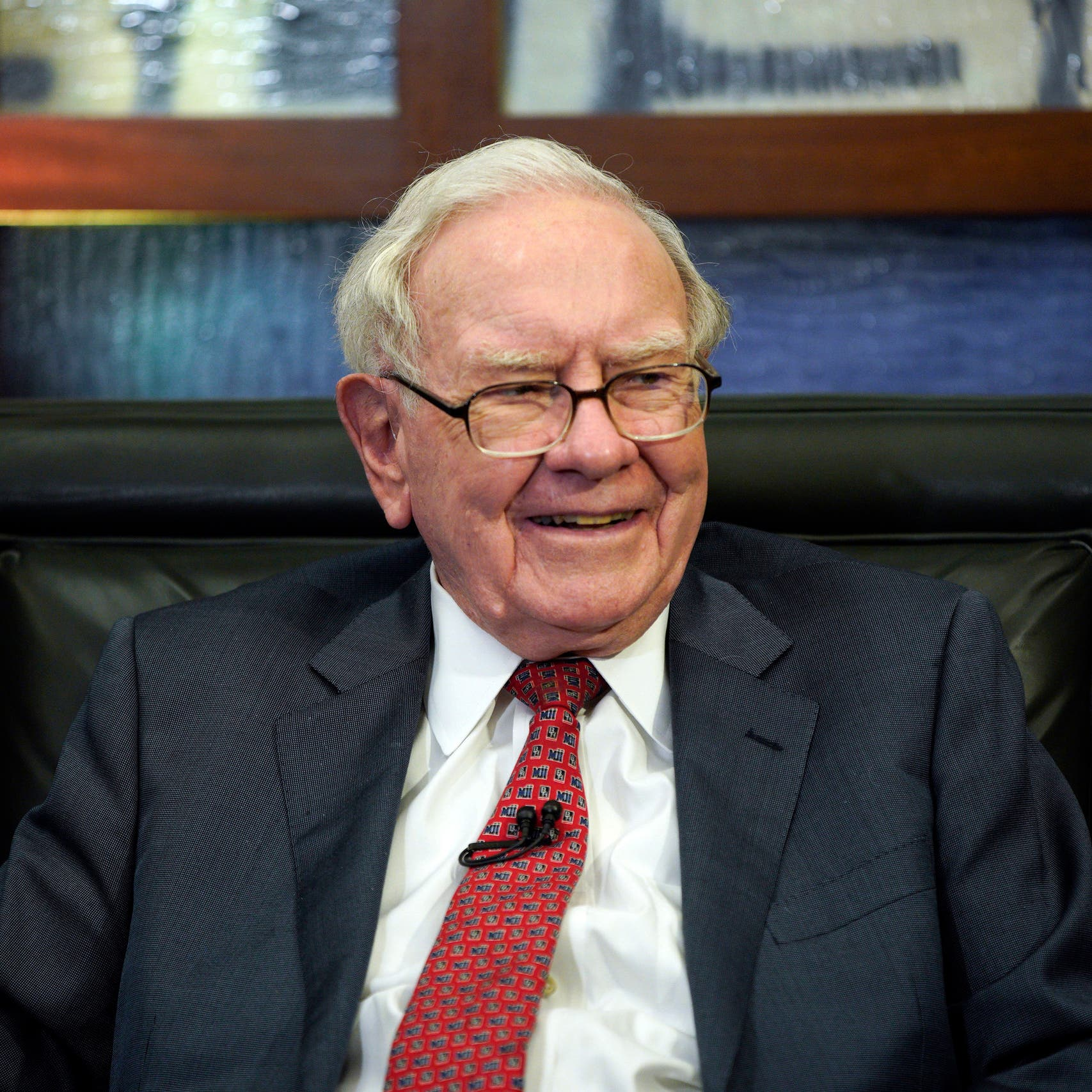 ثروة وارن بافيت تتجاوز 100 مليار دولار للمرة الأولى