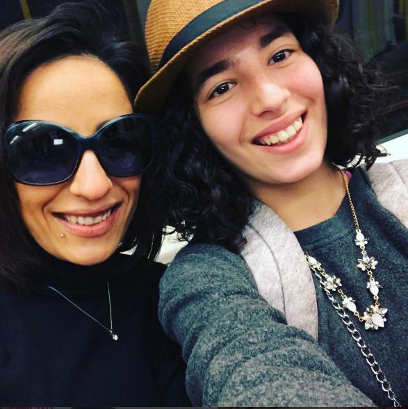 ابنة الفبشاوي مع والدتها
