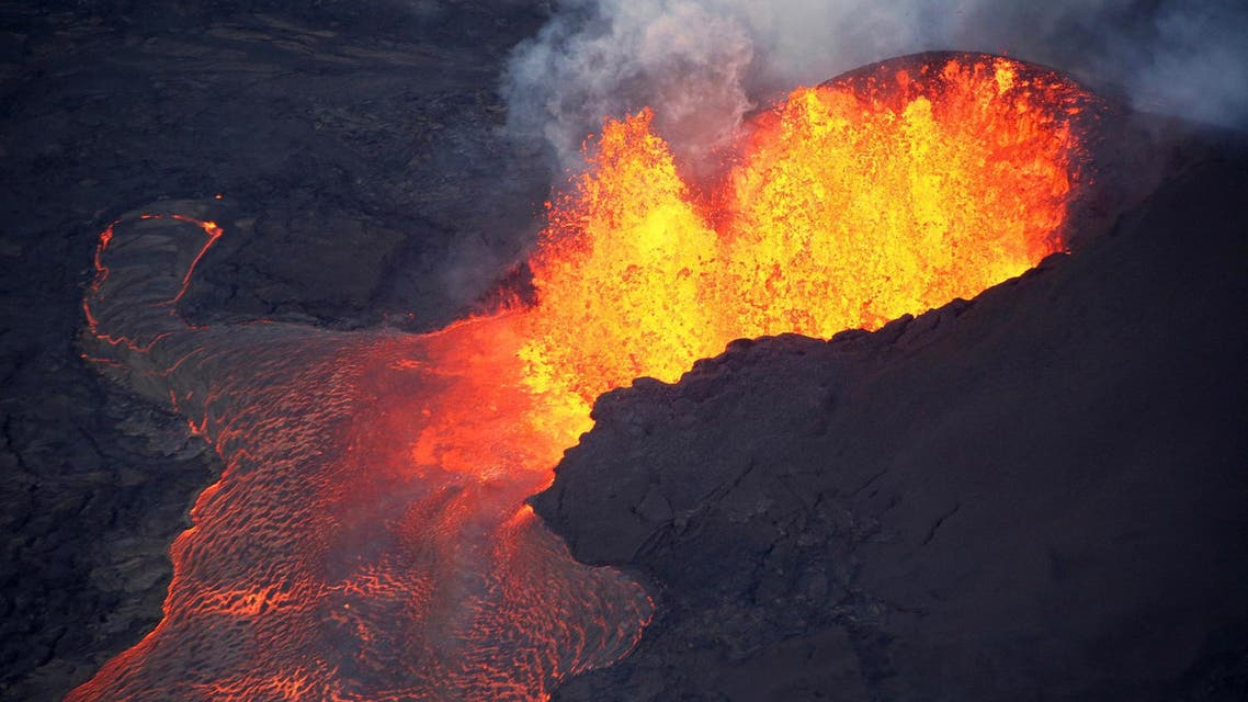 The 3,763-meter volcano erupted early Sunday, spewing out towering plumes of ash and a hail of fiery rock fragments with scalding mud. (File photo, illustrative: Reuters)
