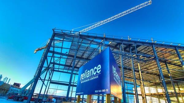 """مصادر: """"مبادلة"""" تبحث استثمار مليار دولار في ريلاينس للتجزئة"""
