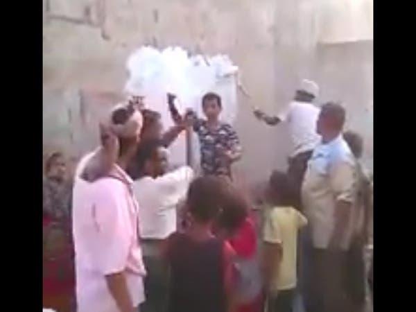 فيديو.. أبناء الحديدة يتخلصون من بقايا ميليشيا الحوثي