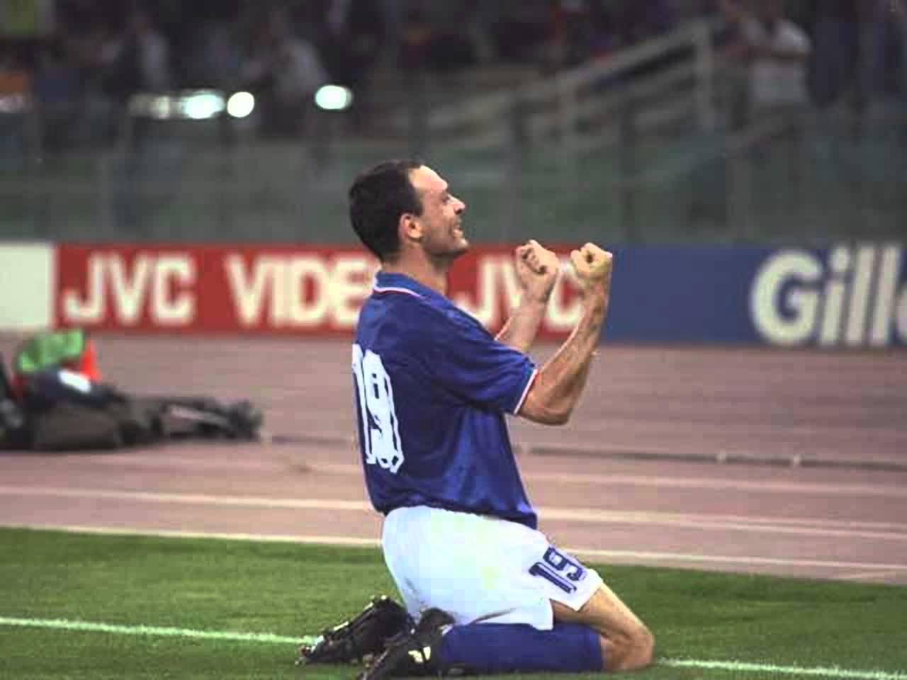 يعد سكيلاتشي آخر هداف إيطالي في البطولة الكبرى