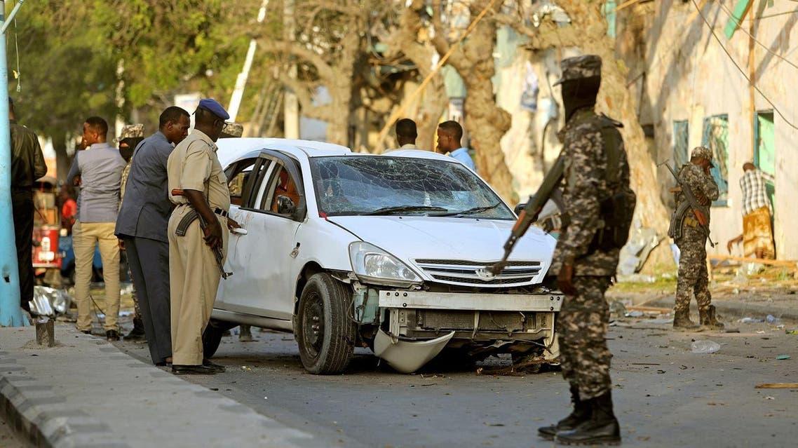 Somali security forces secure the scene of an explosion outside Weheliye Hotel in Maka al Mukarama street in Mogadishu, Somalia March 22, 2018. (Reuters)