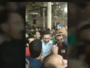 شاهد.. ماذا فعل المصريون بنجل مبارك بعد صلاة الفجر؟