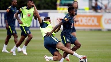"""كاسيميرو يخرج """"صفقة يونايتد"""" مصاباً من تدريبات البرازيل"""